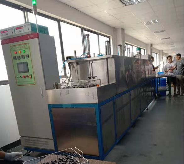 电机端盖通过式超声波高压喷淋清洗机整体外观