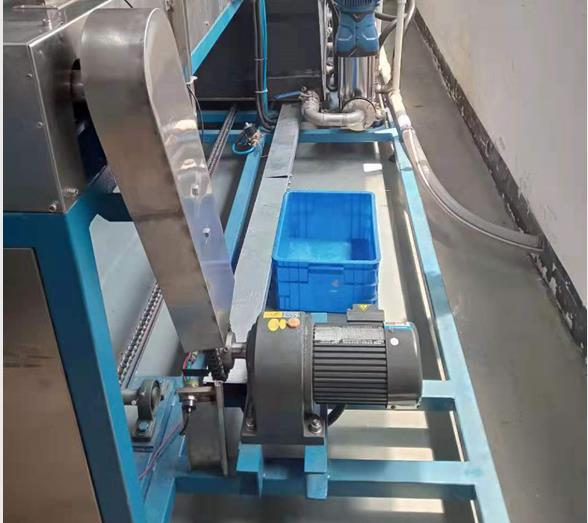 电机端盖通过式超声波高压喷淋清洗机网带传输系统