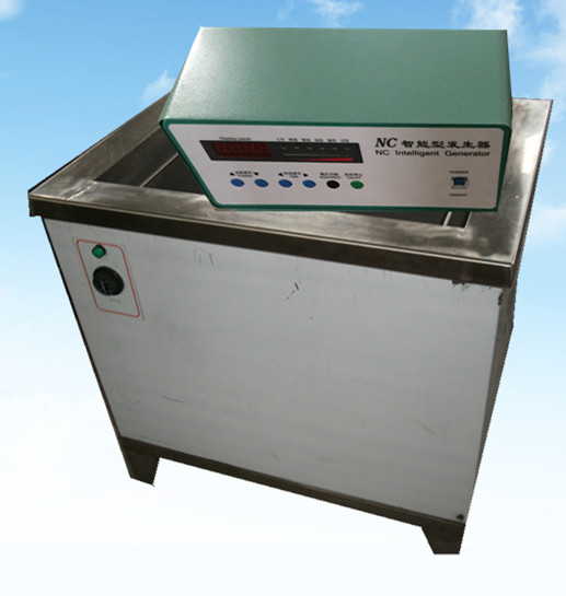 单槽超声波清洗机1200W侧面拍摄图